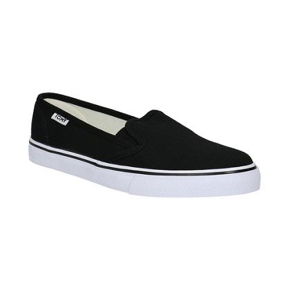 Černé dámské pohodlné boty tzv. slip-on. Rychle nazujete.