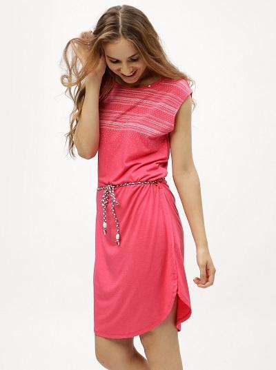 Růžové šaty s kratkým rukávem a zavozováním v pase Ragwear